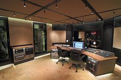 Current pictures of Maratone studio    Those Ns10s are killing me.  YOU SHOULD KNOW BETTER MAX!!!    Still, the studio is making me drool