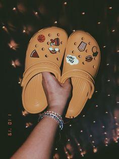 - DSW – Crocs Classic Vent Clog – Women's Accessorized crocs / orange crocs / sandals cute crocs Source by nepharfaraway - Trendy Shoes, Cute Shoes, Me Too Shoes, Crocs Sandals, Crocs Shoes, Converse Shoes, Pink Crocs, Crocs Fashion, Fashion Shoes