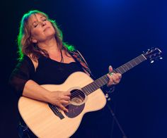 Gretchen Peters Puts Feminine Spin on Mortality With New Album 'Blackbirds'  Due in February, 'Blackbirds' pairs award-winning songwriter with Jerry Douglas, Jason Isbell, Suzy Bogguss and Kim Richey