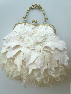 Unique Purses, Unique Bags, Vintage Purses, Vintage Bags, Fabric Handbags, Purses And Handbags, Sacs Tote Bags, Ethno Style, Felt Purse