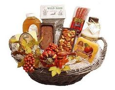 #WisconsinMade http://www.wisconsinmade.com/gift-ideas/holiday-harvest-gift-basket-6118.aspx