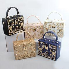 Luxury Purses, Luxury Bags, Kawaii Accessories, Fashion Accessories, Cute Luggage, Sacs Design, Bag Women, Girls Bags, Cute Bags