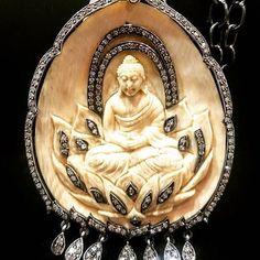 #buddha #worship #templejewellery #jewelry #jewels #pendant #ivory #om #sittingbuddha #buddhism #aura #peace #madonna #tibet #monk #dalailama #jackiechan #jlo #jenniferaniston #instajewelry #buddhist #orlandobloom #diamonds #artwork #wow #omg #loveandpeace
