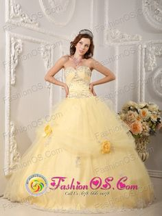 http://www.fashionor.com/Cheap-Quinceanera-Dresses-c-6.html   2015 White and pink vintage Luxurious Vestidos de quinceanera   2015 White and pink vintage Luxurious Vestidos de quinceanera