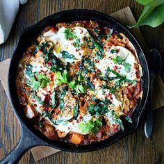 Paleo Shakshuka Eggs Sweet Potatos tomato sauce. Eggs in tomato sauce. Paleo eggs breakfast.