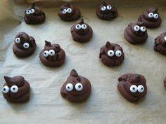 Oh Shit! Kacki Kekse - Die etwas anderen Kekse Ihr braucht: 300 g Mehl 130 g Puderzucker 90 g Kakao 1 Pck. Vanillezucker 1 Pck. Backpulver 1 Prise Salz 1 Ei 4 EL Milch 125 g Butter Zuckeraugen zur Deko ACHTUNG! Achtet unbedingt darauf, dass ihr wirklich genügend Backpulver nehmt, sonst fließen die schönen Häufchen leider auseinander, und bleiben keine kompakten Häufchen..
