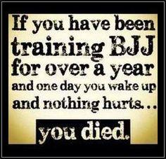 Something always hurts! #bjj #oss #bjjproblems #mma #traininbrazilgroup [www.traininbrazilgroup.com]