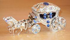 Eine edel gestaltete Acryl-Kutsche/Hochzeitskutsche für Geldgeschenke oder Gutschein zur Hochzeit, Silberhochzeit oder Geburtstag.    Ein Unikat von