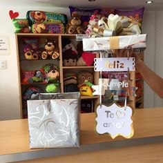 Feliz cumple, te amo! ✨ Hermosa caja de mensaje elegante #Joliandgift - joliandgift Birthday Box, Birthday Gifts, Happy Birthday, Ideas Aniversario, Diy And Crafts, Crafts For Kids, Original Gifts, Surprise Gifts, Love Design