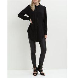 d46a642a9fa3f8 Object lange blouse model Kiana. Deze uni blouse is voorzien van blinde  knoopsluiting
