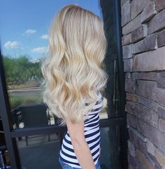 Another shot of this creamy dreamy blonde