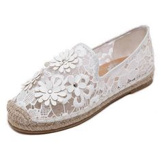 Europe Round Toe White Translucence Flower All-match Flats ($21) ❤ liked on Polyvore featuring shoes, flats, round toe shoes, flower shoes, flat pumps, blossom shoes and white flats