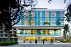 尚德商学院 ,加拿大 / Acton Ostry Architects - 谷德设计网 Precast Concrete, Concrete Building, Concrete Structure, Building Structure, Green Building, Schools Around The World, University Of British Columbia, Brick And Mortar, Modern Glass
