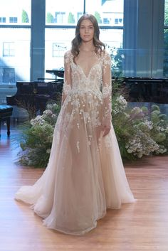 Monique Lhuillier Bridal Fall 2017 Fashion Show