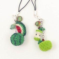 Trendy Crochet Keychain Fruit Ideas Trendy Crochet Keychain Fruit Ideas Learn the basics of how to c Kawaii Crochet, Crochet Food, Crochet Gifts, Cute Crochet, Crochet Baby, Yarn Projects, Crochet Projects, Crochet Keychain Pattern, Crochet Blanket Patterns