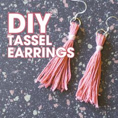 DIY Tassel Earrings Go tassel crazy! If you love tassels as much as I do, you must make these Easy DIY Tassel Earrings! They are inexpensive to make and super cute. It's a great way to get started making jewelry if you've never made any before. Diy Jewelry Videos, Diy Jewelry To Sell, Diy Jewelry Holder, Diy Jewelry Making, Diy Videos, Diy Earrings Making, Diy Earrings Easy, Handmade Earings, Diy Bracelets Easy