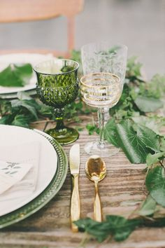 Beautiful Botanical Wedding Inspiration from Chic Vintage Brides. We love the fresh feel the green gives to this tablescape and the sophistication of the decorative glasses and gold cutlery. Wedding Table Decorations, Wedding Table Settings, Place Settings, Wedding Tables, Mismatched Table Setting, Wedding Centerpieces, Decoration Party, Cake Wedding, Garden Decorations