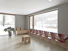 dezeen_Medical-practice-in-Ramsau-by-Hammerschmid-Pachl-Seebacher-Architekten_5.jpg (468×358)
