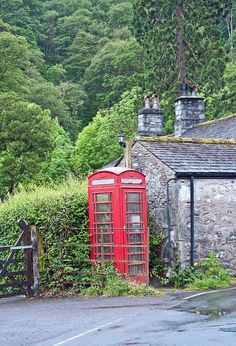 The Seatoller Telephone Box, Seatoller, Borrowdale, Cumbria UK, much more aesthetically pleasing than a mobile! England And Scotland, England Uk, Beautiful Places To Visit, Cool Places To Visit, Telephone Booth, English Village, English Countryside, Cumbria, Lake District
