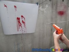squirt gun painting --- looks like so much fun! Also we can have a paint gun war ; Crafts To Do, Crafts For Kids, Arts And Crafts, Projects For Kids, Art Projects, Ty Dye, Crafty Craft, Craft Activities, Kids Playing
