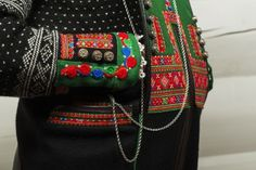 Setesdal Husflid Folk Costume, Costumes, Nordic Sweater, Folk Clothing, Color Shapes, Norway, Scandinavian, Textiles, Embroidery