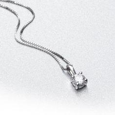 c556f82ed024 Cadena y colgante con diamante PUNTO DE LUZ