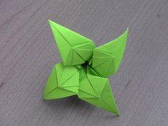 Tutoriel d'Origami pour faire la fleur Alice Si vous voulez obtenir de bons résultats, suivez les règles essentielles : - Prendre son temps - Ne pas utiliser...