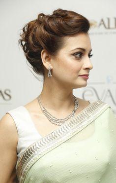 Dia Mirza Latest Stills in Green Saree - Celebrity Beauty Tips