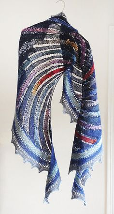 Ravelry: Iridescent Crescent pattern by Kieran Foley. Another of my fave designers in my top 5. Very clever.