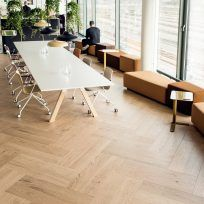 Double Herringbone parquet floor by Timberwise, Oak Herringbone Nordic, brushed hard wax oiled - Tupla Kalanruotoparketti Timberwiseltä, Tammi Herringbone Nordic, harjattu öljyvahattu.