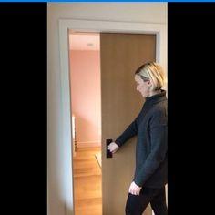 Pin by Valesita Caichug Rivera on Dormitorio [Video] in 2020 Kitchen Sliding Doors, Sliding Door Design, Door Design Interior, Kitchen Room Design, Pocket Doors, Pocket Door Hardware, Door Kits, Bedroom Doors, Home Decor Furniture