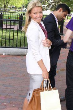 kelly ripa white house easter egg hunt 2011