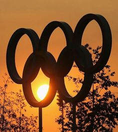 Pic: A stunning #London2012 Olympic Park sunset is the perfect backdrop for the Olympic Rings. The Games begin tomorrow --@London2012