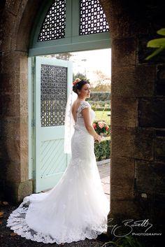 Gateway to the secret garden in Lough Rynn Castle. Wedding Pics, Wedding Venues, Wedding Dresses, Mermaid Wedding, Castle, Garden, Fashion, Marriage Pictures, Wedding Reception Venues