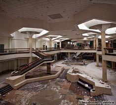 - Randall Park Mall