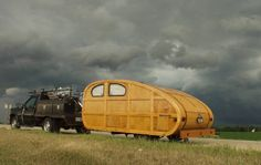 I'd LOVE to have a vintage trailer and go on a rally!  These people look like they have so much fun!  Beautiful trailer and pic:-)