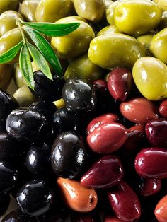 💚Beautiful olives with great cheeses and artisan breads.Olives, © Paul Randall Williams All rights reserved. Fruit And Veg, Fruits And Vegetables, Fresh Fruit, Kalamata Olives, Greek Olives, Tasty, Yummy Food, Olive Tree, Antipasto
