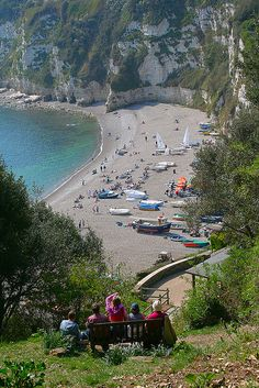 The beach looks like where ate breakfast in England. Cliff Walkway in Beer, South Devon, England.