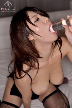 Iカップ巨乳 倉持結愛セクシーエロ画像 4