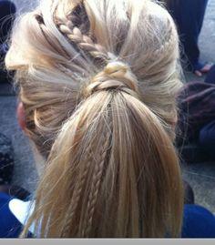 I'm really liking creative ponytails