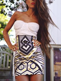 Style Guide: How to wear the bustier top this summer? Fashion 101, Love Fashion, Womens Fashion, Fashion Design, Feminine Fashion, Fashion Night, Fashion Ideas, Fashion Beauty, Bustier Top