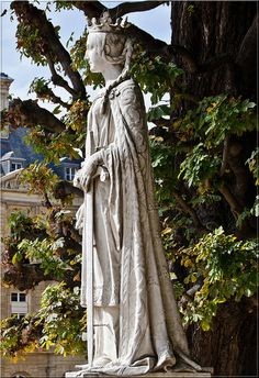 "Matilda of Flanders, wife of William the Conqueror and mother of Henry I, the first woman to be crowned Queen of England, was born in 1031. Her father, Baldwin V, was the Count of Flanders, and her mother Adela, was a daughter Robert II the Pious Capet, King of France. Statue is located in the Jardin du Luxembourg, Paris, France. 27th GG mother William ""the conqueror"" was in my family tree..."