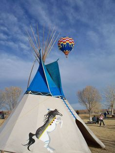 Tipi by The Southwestern Touch. Artwork by Steve Honeycutt and Christa Cook Native American Teepee, Native American Legends, Native American Cherokee, Native American Images, Native American Indians, Native Americans, Native Indian, Native Art, Indian Art