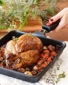 Roasted chicken with vegetables ----------Pollo asado con verduras una receta resultona riquísima y perfecta en mi Infinity de @cocinaconbra #foodporn #foodphotography #eeeeats by raquel_carmona
