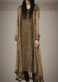Pin by Hetsangel on Indian clothes in 2019 Pakistani Formal Dresses, Pakistani Wedding Outfits, Pakistani Dress Design, Indian Dresses, Indian Outfits, Pakistani Fashion Party Wear, Indian Clothes, Mode Abaya, Mode Hijab