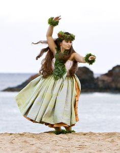 hawaiian hula | Hula O Na Keiki - Maui No Ka 'Oi Magazine - November-December 2009 ...