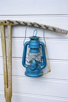 lanterns! I am just so I'm love with the old railroad lanterns!