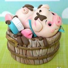 Cute piggy cake By Cake Therapy Crazy Cakes, Fancy Cakes, Pink Cakes, Fondant Cakes, Cupcake Cakes, Piggy Cake, Decoration Patisserie, Farm Cake, Gateaux Cake