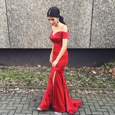 red prom dresses,2017 satin prom dresses,off shoulder evening dresses, evening dresses 2017,long prom dresses,dresses party evening,sexy evening gowns,formal dresses evening,celebrity red carpet dresses