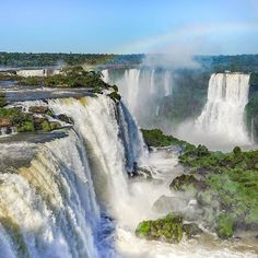 Iguaza Falls, Brazil/Argentina I have never seen a waterfall. I figure, if I'm going, I'm going all out! This would be a beautiful vacation. Places Around The World, Travel Around The World, Around The Worlds, Places To Travel, Places To See, Iguazu Waterfalls, Beau Site, Iguazu Falls, Les Cascades